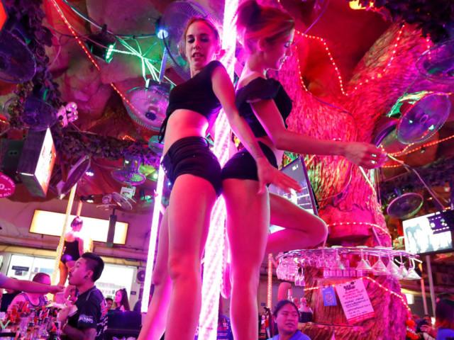 Twins white girls steal the show at Thai dance bar